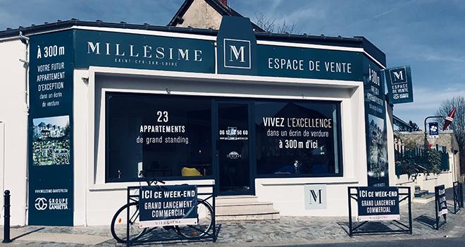 Exterieur de l'espace de vente à Saint-Cyr-sur-Loire
